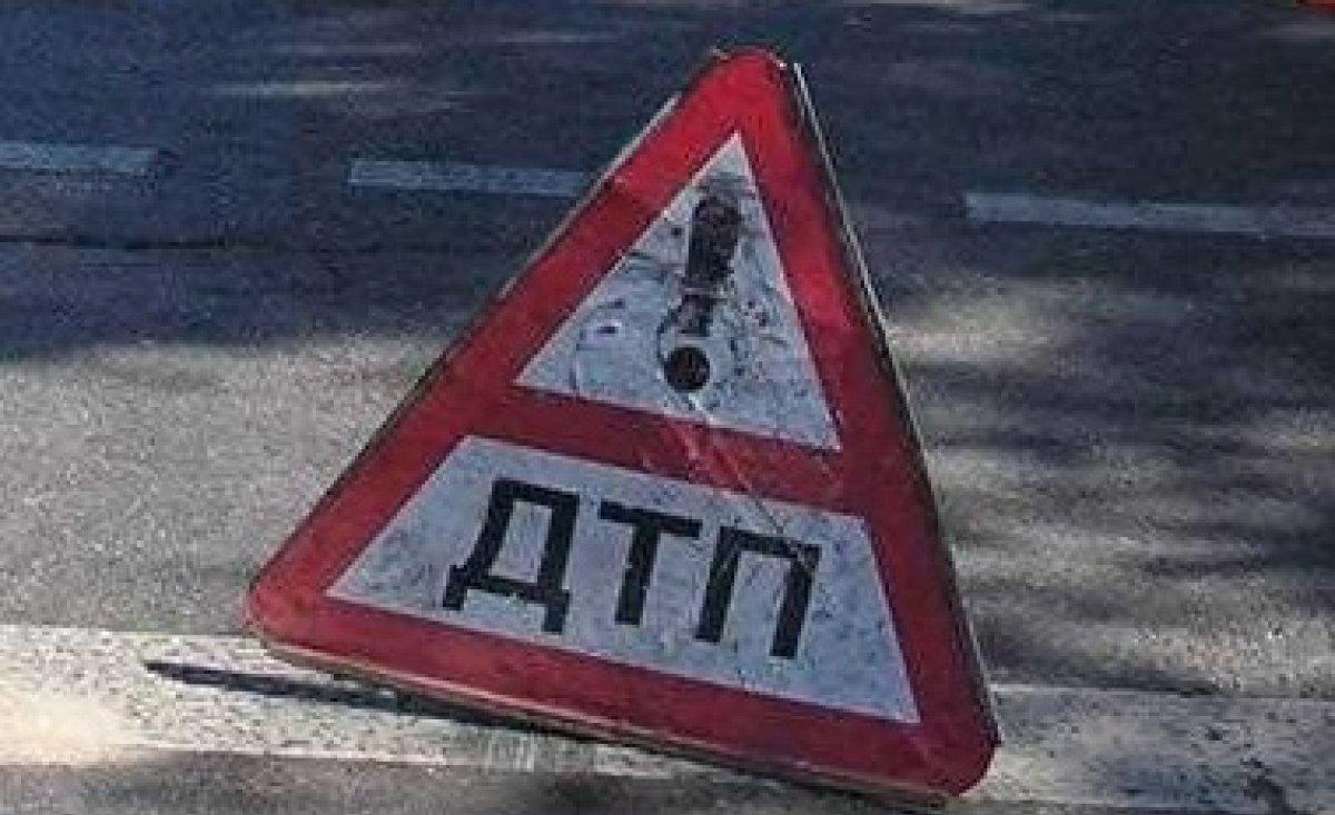 Автоледи на Renault слетела с дороги в Кваркенском районе